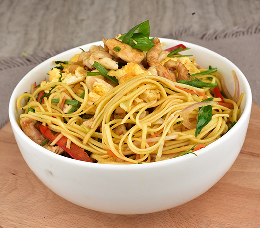 نودلز الدجاج - CHICKEN NOODLES